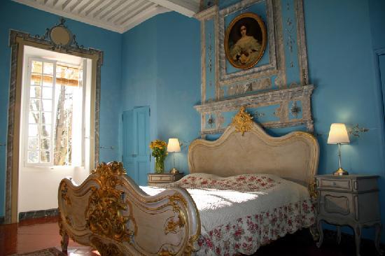 Campagne le Bec : L'impressionnante chambre bleue