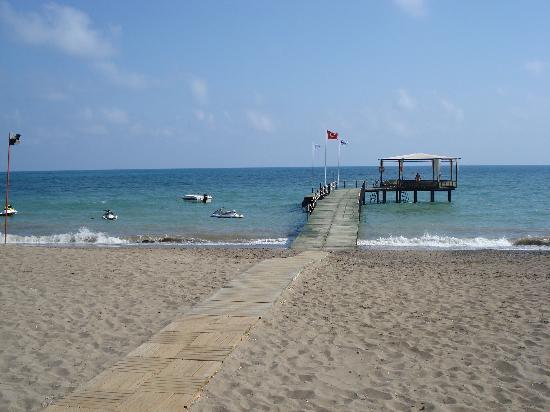 Limak Arcadia Golf & Sport Resort : ponton de l'hôtel