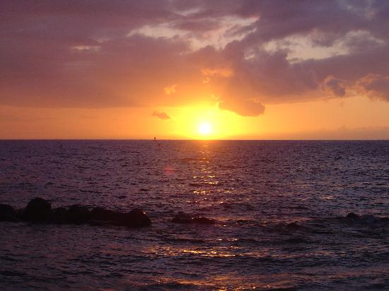 Vista Waikoloa: Gorgeous sunset from beach