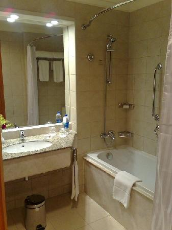 Holiday Inn - Citystars: Nice bathroom