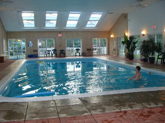 The Country Inn at Camden/Rockport: indoor pool