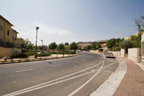 Villa Carmel : New residential community only a few minutes drive from the pedestrian street of Zichron.