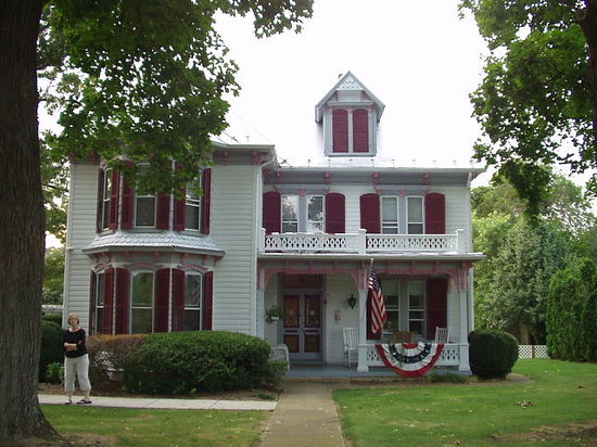 White Fence Bed & Breakfast: A lovely Victorian B&B