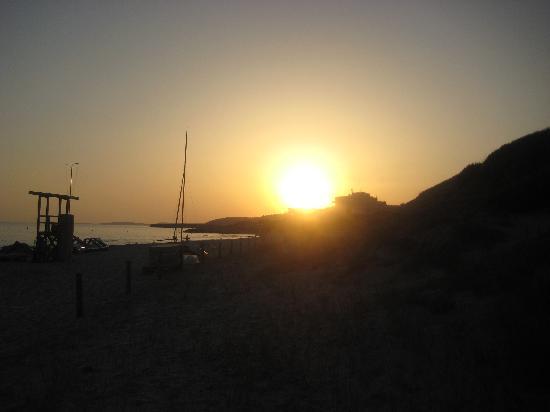 Hotel Victoria Playa: Sunset at Santa Tomas Beach