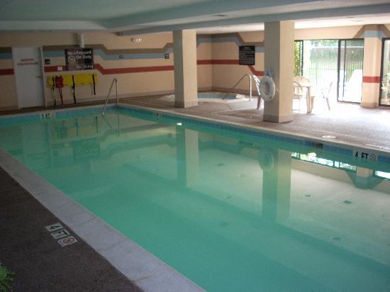 Hampton Inn Horse Cave: Pool