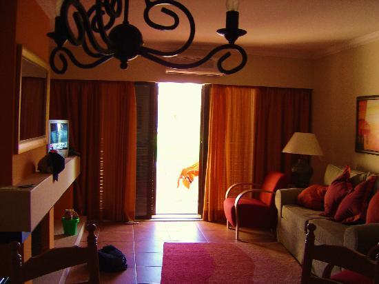Pestana Porches Praia : living room