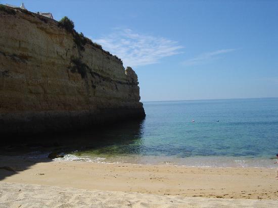 Pestana Porches Praia : beach through tunnel near apts