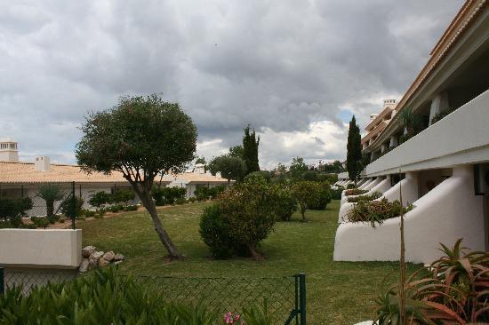 Pestana Porches Praia: garden area