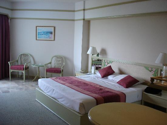 Cholchan Pattaya Resort: Bedroom