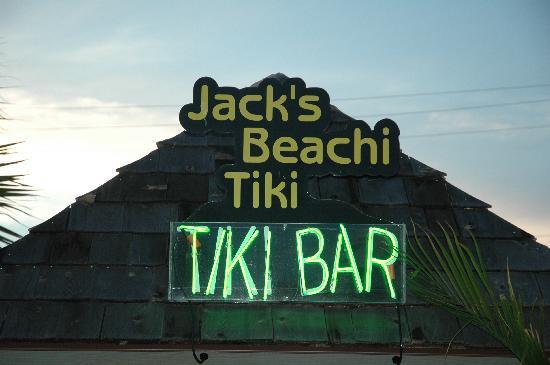 Edgewater Inn: Tiki Bar