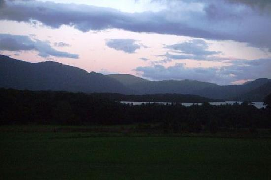 Castlerosse Hotel & Holiday Homes: view over golf course from hotel at dusk