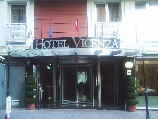 Hotel Vicenza: Entrée de l'hotel