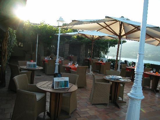 Miramar Boutique Hotel : Le Lounge près de la piscine (pour l'apéro et le diner)