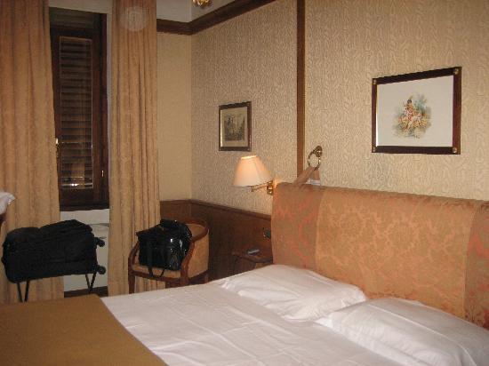 Hotel Pantheon: habitacion