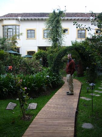 Mansion Alcazar Boutique Hotel: Gardens behind the hotel