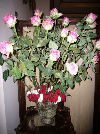 Mansion Alcazar Boutique Hotel: Typical bouquet of roses