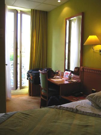 Quality Hotel du Nord Dijon Centre : The room