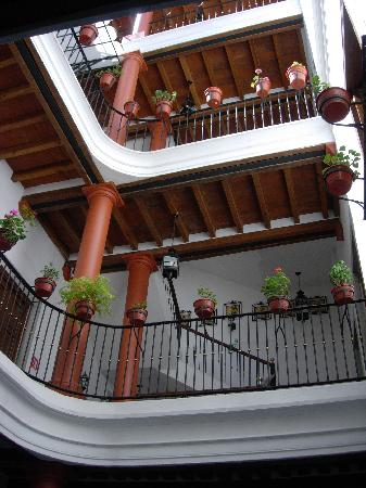 Hotel Casa del Agua: Interior patio