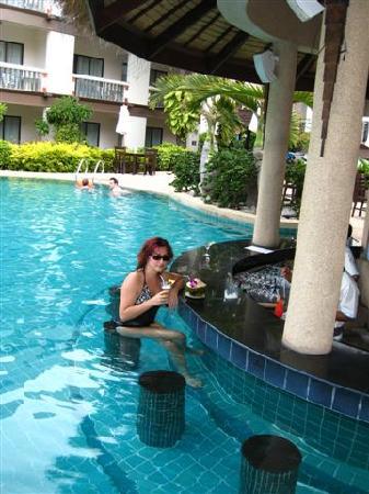 Centara Kata Resort Phuket: ENJOYING MY DRINK