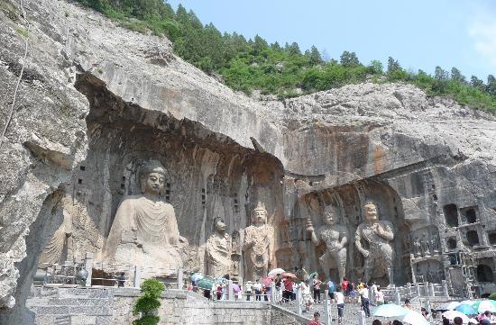 Cygnus International Hotel: Longmen Grottoes, Luoyang