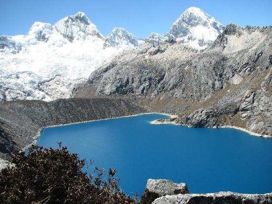 Andino Club Hotel: Cordillera Blanco near end of trail 16,000ft