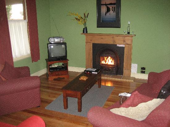 Renison Cottages : Open fire
