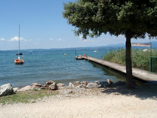Hotel Campagnola: Privatsteg zum See