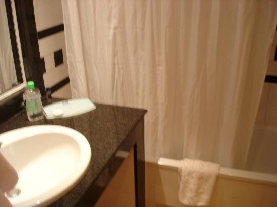 Mitsis Grand Hotel: baño