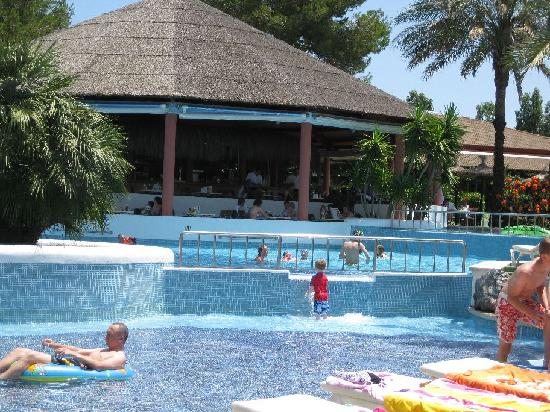 Prinsotel La Dorada: Pool and snack br