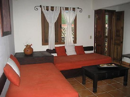 Yat B'alam Boutique Hotel: Room #1  - with 2 twin beds and a queen size bed on the other side of the room.
