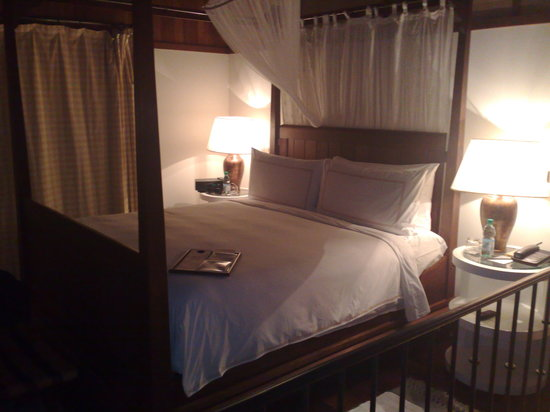 Carmelo Resort & Spa, A Hyatt Hotel: Our bed by night