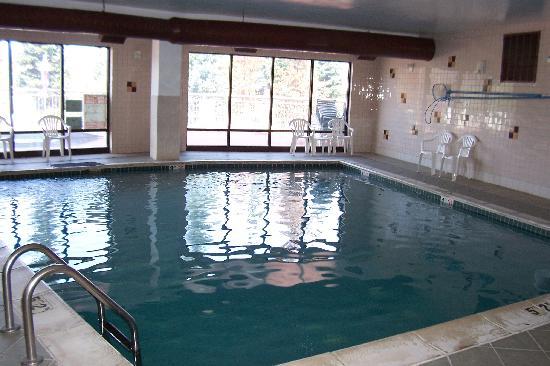 Comfort Suites Summit County: Pool