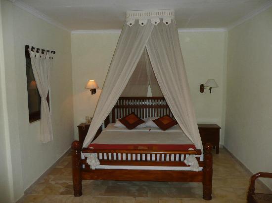Puri Dewa Bharata Hotel & Villas : bedroom