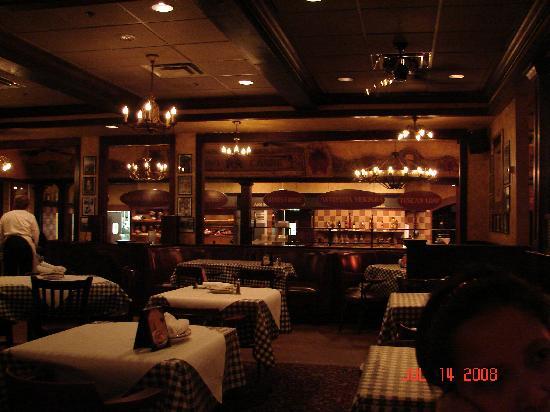 Fairfield Inn Boston Dedham: Vinny T's