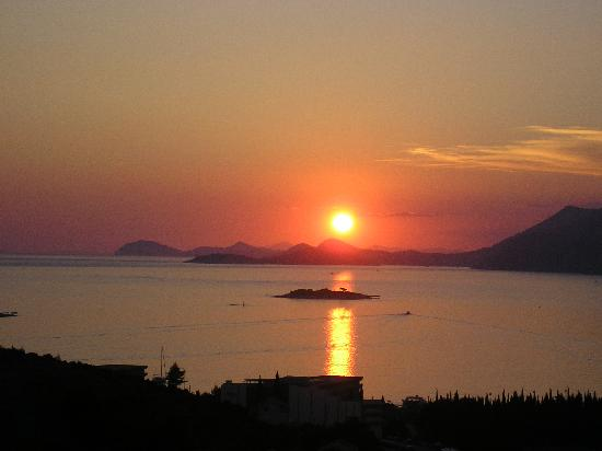 Apartments Zvrko: Amazing sunset