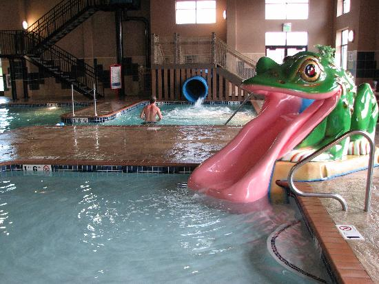 Timberlake Lodge Hotel: Wading pool with small water slide