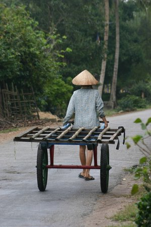 Χουέ, Βιετνάμ: Rural Rd in Hué Vietnam