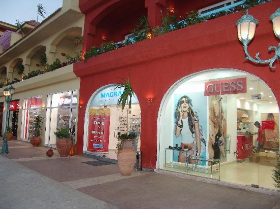 El Alamein, Egypt: shopping mall in hotel
