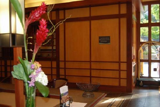Kimpton RiverPlace Hotel: Lobby