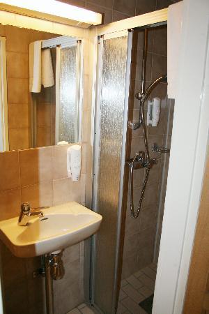 Anno 1647: Shower