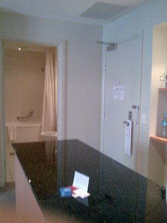 Crowne Plaza Newcastle: kitchen