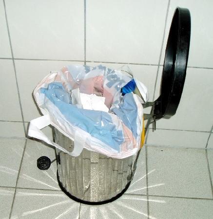 Hotel-Pension Dormium : Mülleimer