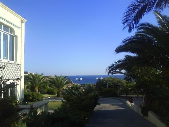 smartline Arion Palace : Vu de l'entrée de l'hotel