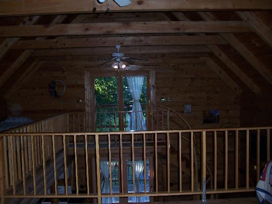 Outside of our rooms picture of yokum 39 s vacationland for Seneca lake ohio cabins