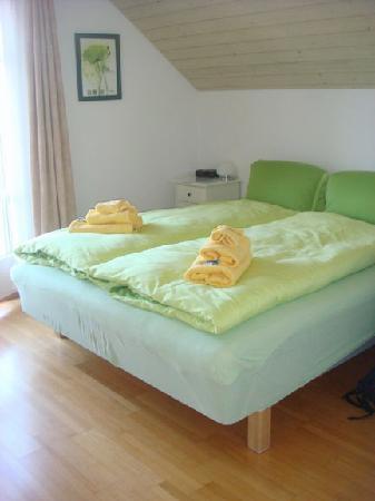 Berlingen, Switzerland: Poppy room