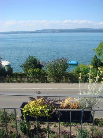 Seegartli Bed & Breakfast: View from Poppy balcony