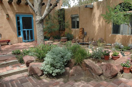Old Town Bed and Breakfast: Old Town B&B garden & door to the Garden Suite
