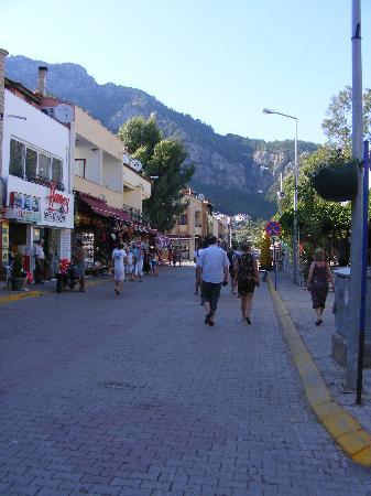 Loryma Resort: Turunc High Street