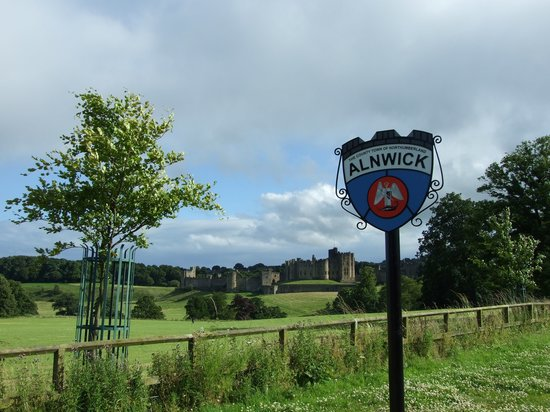Redfoot Lea Bed and Breakfast: Alnwick Castle