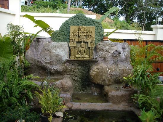 Pema Djougne: La fontaine